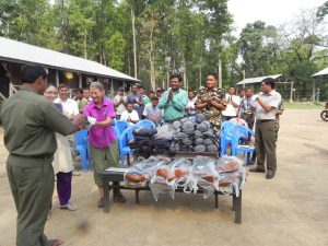 Presenting helpful gear to mahouts